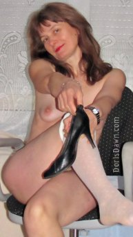 360x640-doris-completely-nude-out-of-highheels-white-pantyhose-smiling
