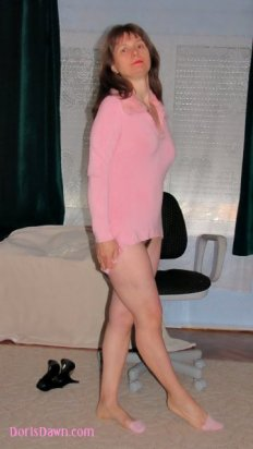 360x640-doris-pink-fluffy-top-no-panties-out-of-highheels-trimmed-pussy-hair