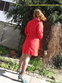 768x1024-erotic-wallpaper-exhibitionist-doris-pubic-hair-red-coat1
