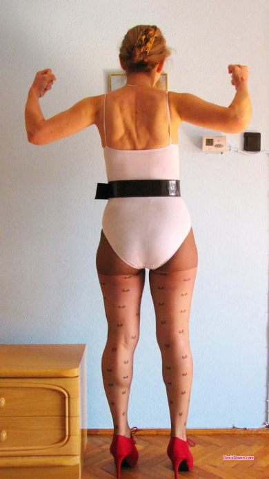 1080x1920-wallpaper-dorisdawn-white-leotard-belt-pantyhose-red-highheels-1
