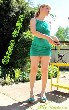1600x2560-cougarbunnies-greenonion3