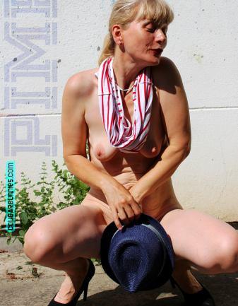 2763x3556-cougarbunnies-pimphat09